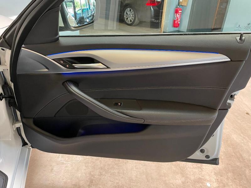 Photo 8 de l'offre de BMW Serie 5 530dA xDrive 265ch Executive Euro6c à 34900€ chez Dugast automobiles