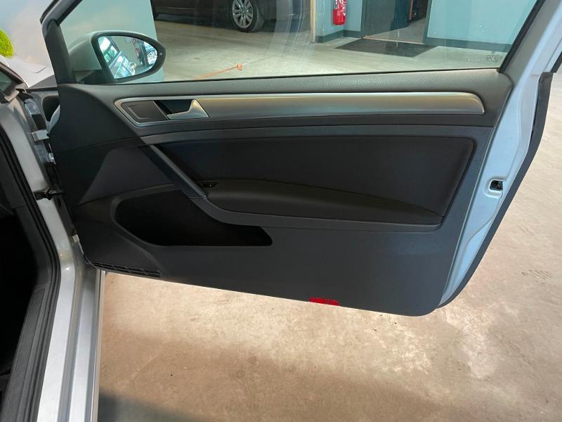 Photo 7 de l'offre de VOLKSWAGEN Golf Ste 1.6 TDI 90ch BlueMotion Technology FAP Trendline Business 3p à 9900€ chez Dugast automobiles