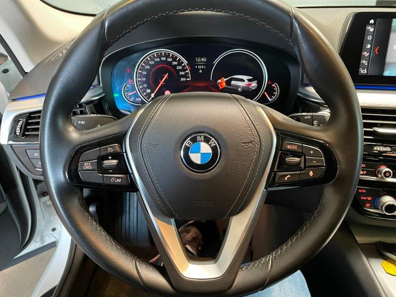Photo 17 de l'offre de BMW Serie 5 530dA xDrive 265ch Executive Euro6c à 34900€ chez Dugast automobiles