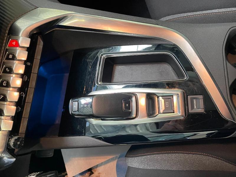 Photo 20 de l'offre de PEUGEOT 5008 1.5 BlueHDi 130ch E6.c Active Business S&S EAT8 à 19900€ chez Dugast automobiles