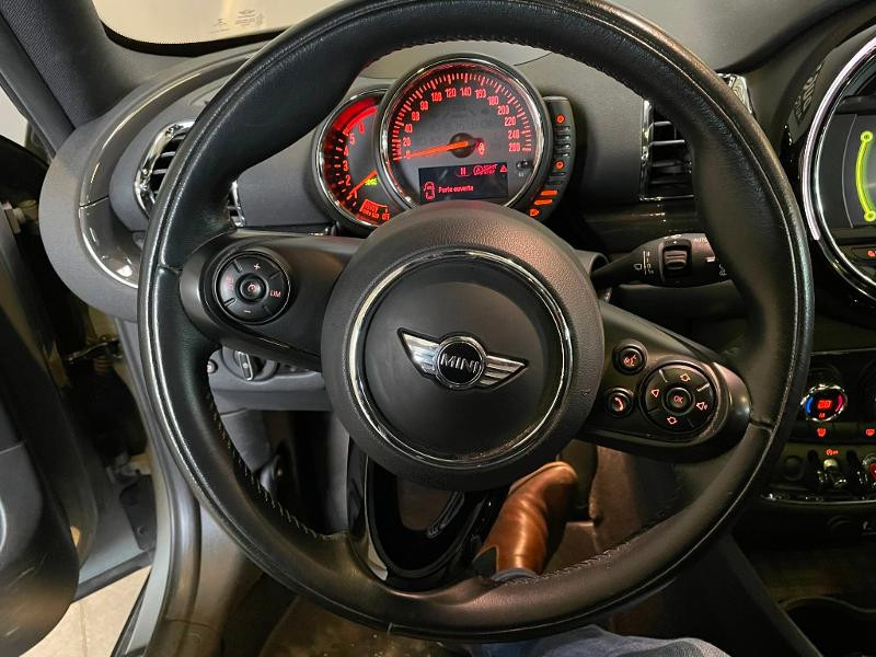 Photo 14 de l'offre de MINI Clubman One D 116ch Hyde Park à 14900€ chez Dugast automobiles