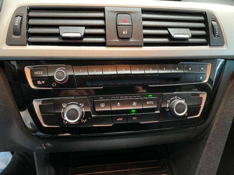 Photo 19 de l'offre de BMW Serie 3 Touring 318dA 150ch Business à 14900€ chez Dugast automobiles