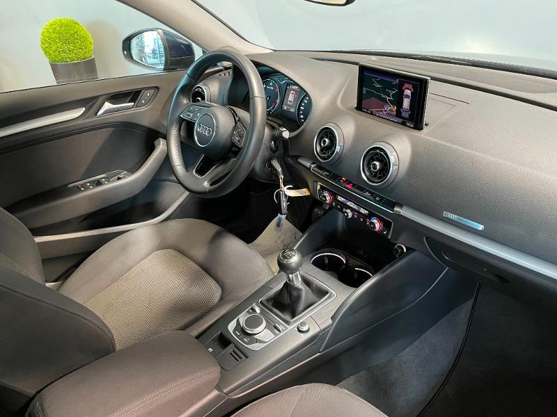 Photo 5 de l'offre de AUDI A3 Sportback 1.6 TDI 116ch Business line à 16900€ chez Dugast automobiles
