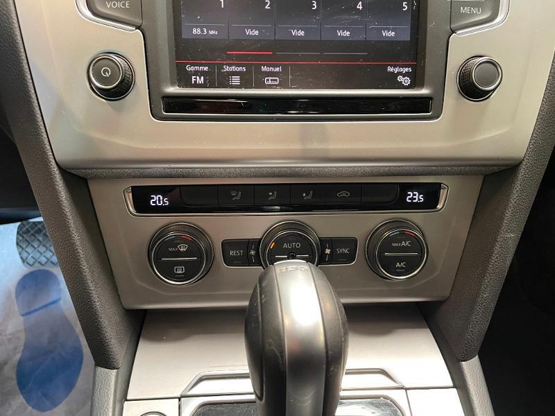 Photo 19 de l'offre de VOLKSWAGEN Passat 1.6 TDI 120ch BlueMotion Technology Confortline Business DSG7 à 12900€ chez Dugast automobiles