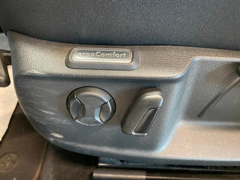 Photo 14 de l'offre de VOLKSWAGEN Passat 1.6 TDI 120ch BlueMotion Technology Confortline Business DSG7 à 12900€ chez Dugast automobiles