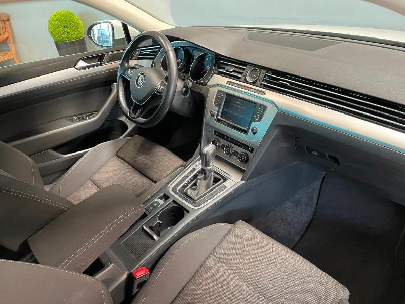 Photo 5 de l'offre de VOLKSWAGEN Passat 1.6 TDI 120ch BlueMotion Technology Confortline Business DSG7 à 12900€ chez Dugast automobiles