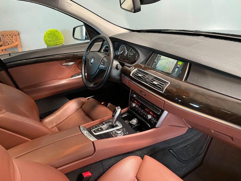 Photo 5 de l'offre de BMW Serie 5 Gran Turismo 530dA 245ch Exclusive à 18900€ chez Dugast automobiles