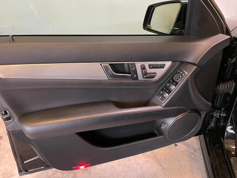 Photo 19 de l'offre de MERCEDES-BENZ Classe C Break 63 AMG Speedshift MCT à 36900€ chez Dugast automobiles