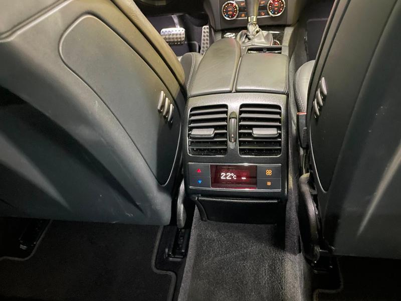 Photo 10 de l'offre de MERCEDES-BENZ Classe C Break 63 AMG Speedshift MCT à 36900€ chez Dugast automobiles