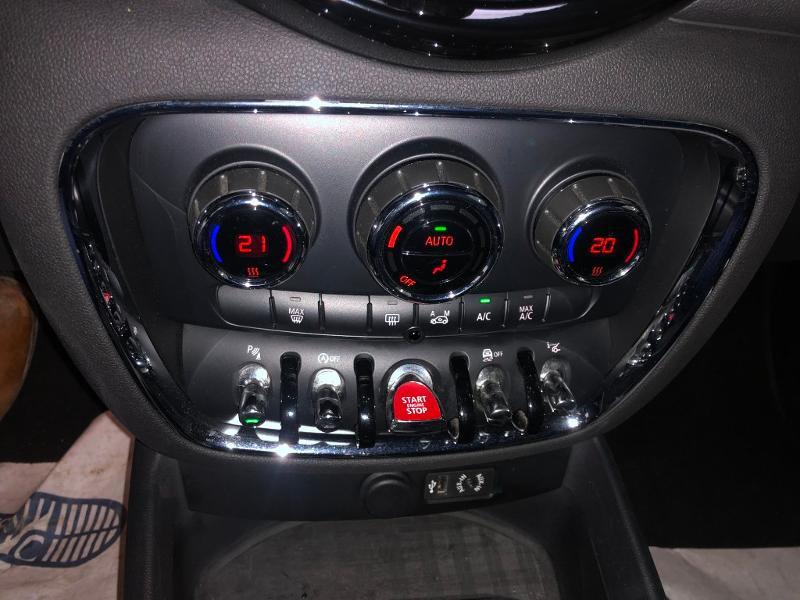 Photo 14 de l'offre de MINI Clubman Cooper D 150ch Exquisite à 16900€ chez Dugast automobiles