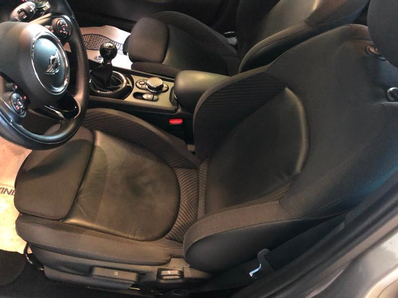 Photo 11 de l'offre de MINI Clubman Cooper D 150ch Exquisite à 16900€ chez Dugast automobiles