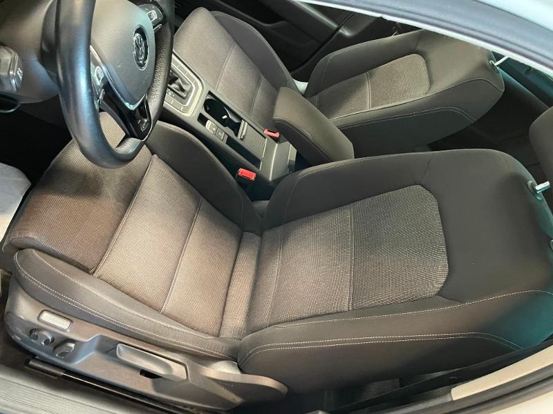 Photo 15 de l'offre de VOLKSWAGEN Passat 1.6 TDI 120ch BlueMotion Technology Confortline Business DSG7 à 12900€ chez Dugast automobiles
