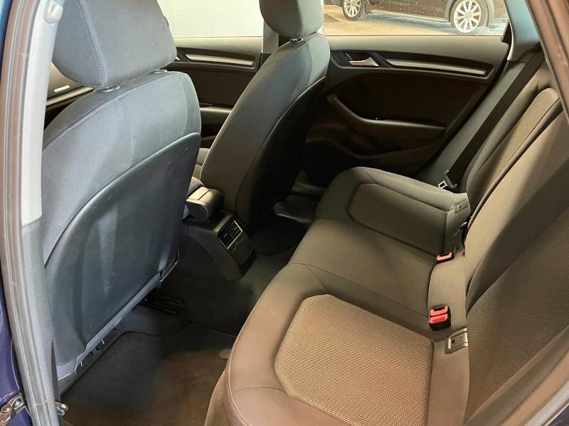 Photo 10 de l'offre de AUDI A3 Sportback 1.6 TDI 116ch Business line à 16900€ chez Dugast automobiles