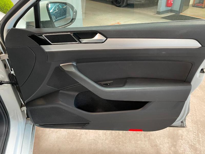 Photo 7 de l'offre de VOLKSWAGEN Passat 1.6 TDI 120ch BlueMotion Technology Confortline Business DSG7 à 12900€ chez Dugast automobiles
