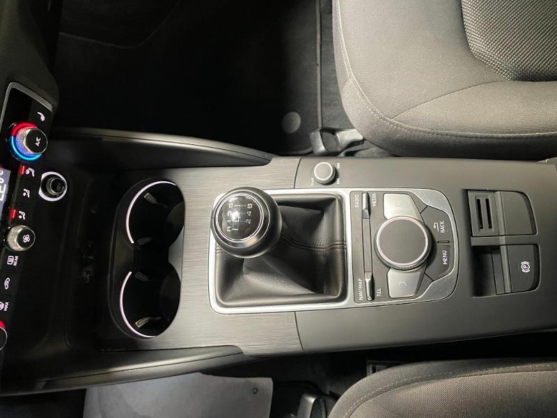 Photo 17 de l'offre de AUDI A3 Sportback 1.6 TDI 116ch Business line à 16900€ chez Dugast automobiles