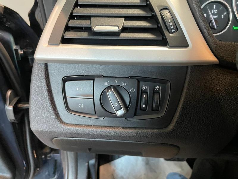 Photo 16 de l'offre de BMW Serie 3 Touring 318dA 150ch Business à 14900€ chez Dugast automobiles