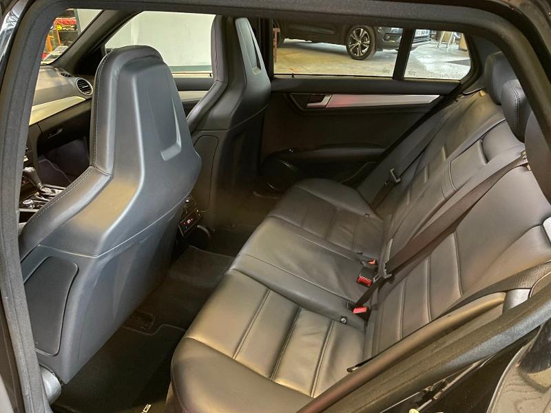 Photo 14 de l'offre de MERCEDES-BENZ Classe C Break 63 AMG Speedshift MCT à 36900€ chez Dugast automobiles