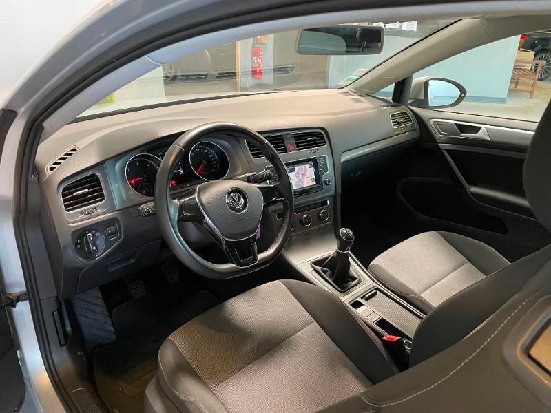 Photo 9 de l'offre de VOLKSWAGEN Golf Ste 1.6 TDI 90ch BlueMotion Technology FAP Trendline Business 3p à 7900€ chez Dugast automobiles