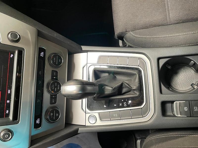 Photo 20 de l'offre de VOLKSWAGEN Passat 1.6 TDI 120ch BlueMotion Technology Confortline Business DSG7 à 12900€ chez Dugast automobiles