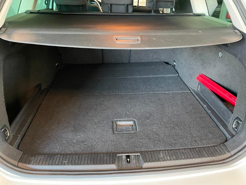 Photo 11 de l'offre de VOLKSWAGEN Passat 1.6 TDI 120ch BlueMotion Technology Confortline Business DSG7 à 12900€ chez Dugast automobiles