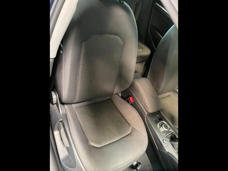 Photo 6 de l'offre de AUDI A3 Sportback 1.6 TDI 116ch Business line à 16900€ chez Dugast automobiles
