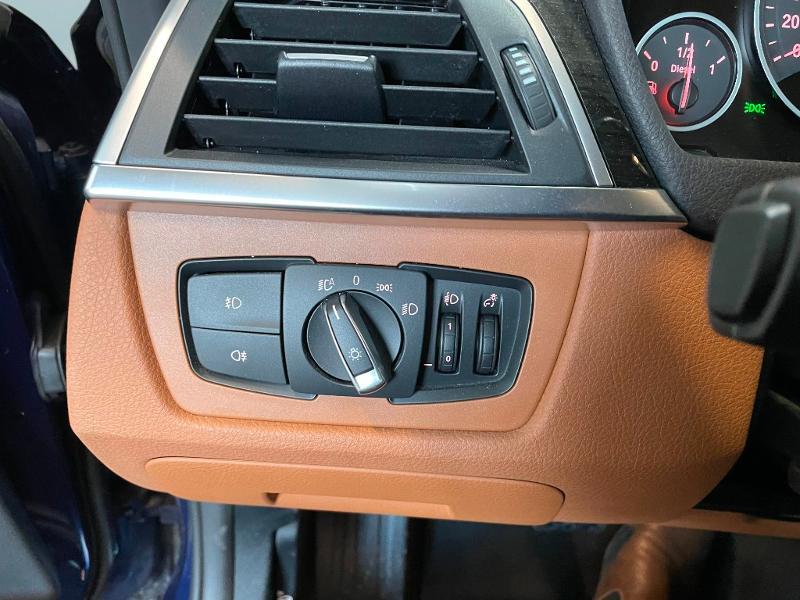 Photo 14 de l'offre de BMW Serie 3 Touring 320dA 163ch EfficientDynamics Edition Luxury à 20900€ chez Dugast automobiles
