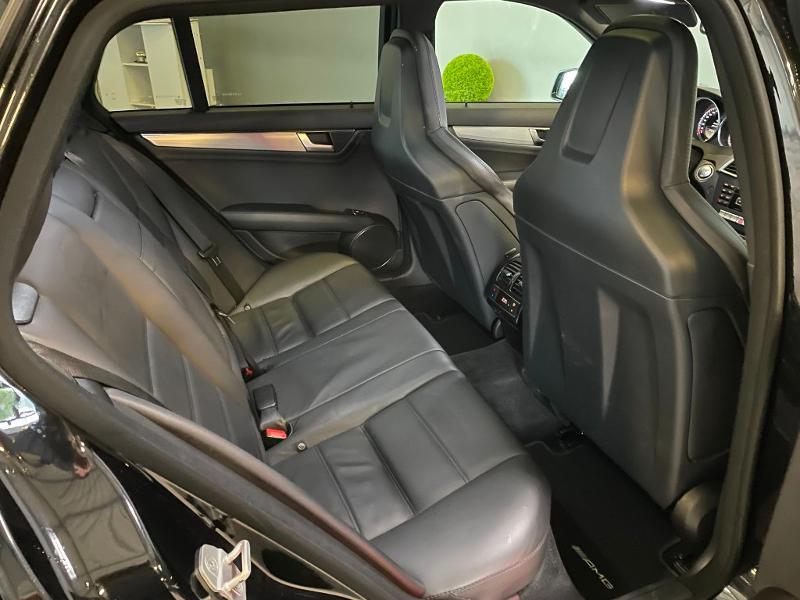 Photo 9 de l'offre de MERCEDES-BENZ Classe C Break 63 AMG Speedshift MCT à 36900€ chez Dugast automobiles