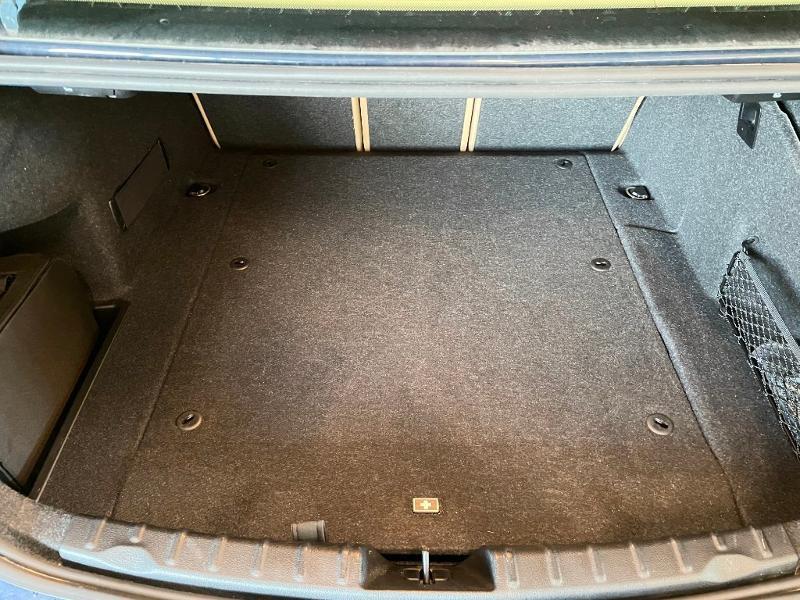 Photo 10 de l'offre de BMW Serie 3 330eA 252ch Luxury à 28900€ chez Dugast automobiles