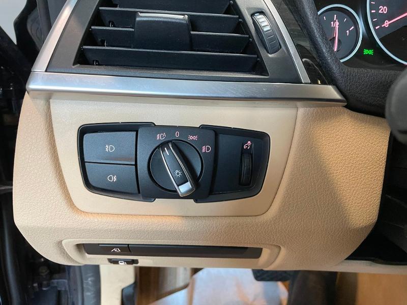Photo 24 de l'offre de BMW Serie 3 330eA 252ch Luxury à 28900€ chez Dugast automobiles