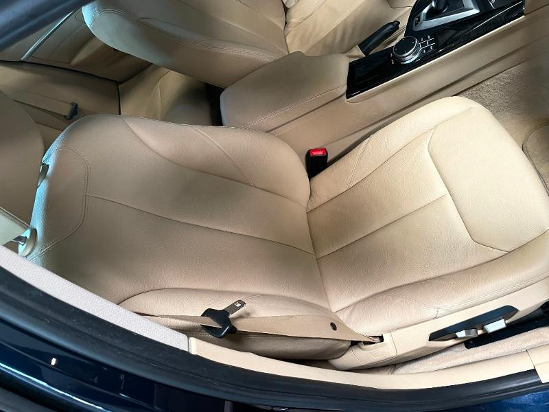 Photo 6 de l'offre de BMW Serie 3 330eA 252ch Luxury à 28900€ chez Dugast automobiles