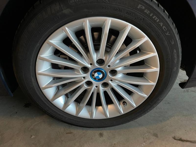 Photo 13 de l'offre de BMW Serie 3 330eA 252ch Luxury à 28900€ chez Dugast automobiles