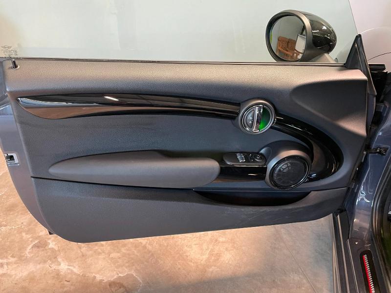 Photo 12 de l'offre de MINI Mini Cooper S 211ch John Cooper Works Edition BVA à 28900€ chez Dugast automobiles