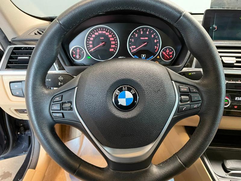 Photo 19 de l'offre de BMW Serie 3 330eA 252ch Luxury à 28900€ chez Dugast automobiles