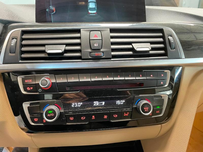 Photo 20 de l'offre de BMW Serie 3 330eA 252ch Luxury à 28900€ chez Dugast automobiles