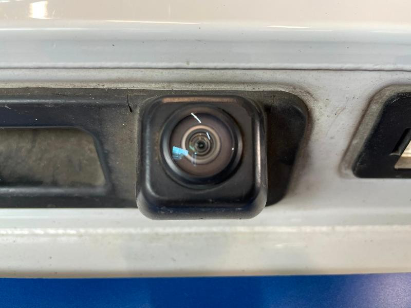 Photo 13 de l'offre de BMW Serie 5 Touring 530dA xDrive 265ch Business Steptronic à 29900€ chez Dugast automobiles