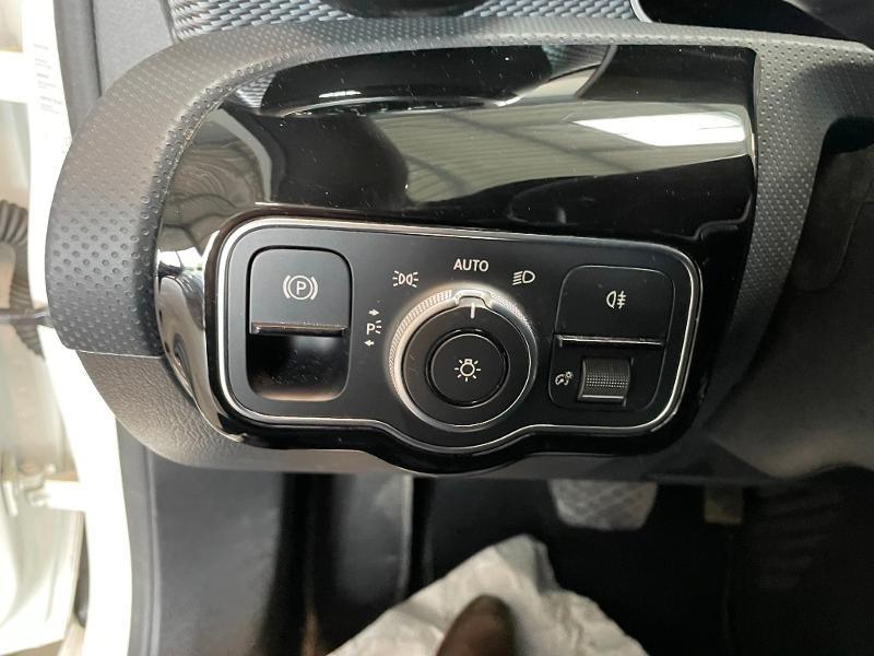 Photo 21 de l'offre de MERCEDES-BENZ Classe A 180 d 116ch Progressive Line 7G-DCT à 24900€ chez Dugast automobiles