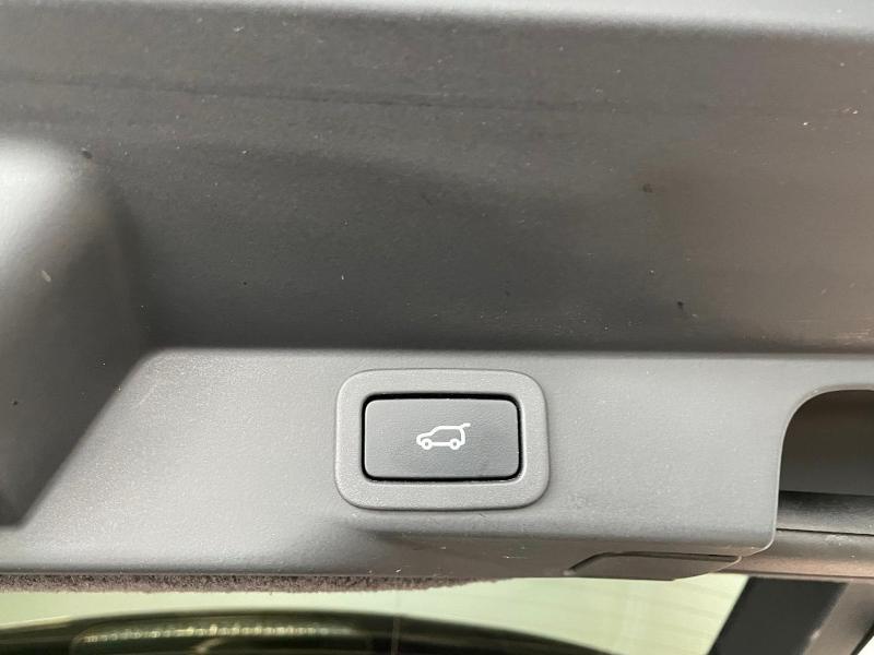 Photo 16 de l'offre de LAND-ROVER Range Rover Sport 3.0 TDV6 258 HSE Dynamic Mark IV à 35900€ chez Dugast automobiles