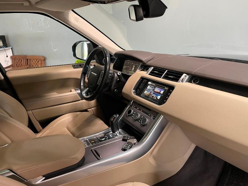 Photo 5 de l'offre de LAND-ROVER Range Rover Sport 3.0 TDV6 258 HSE Dynamic Mark IV à 35900€ chez Dugast automobiles