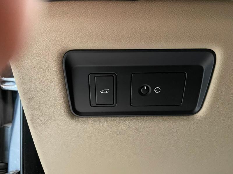 Photo 27 de l'offre de LAND-ROVER Range Rover Sport 3.0 TDV6 258 HSE Dynamic Mark IV à 35900€ chez Dugast automobiles