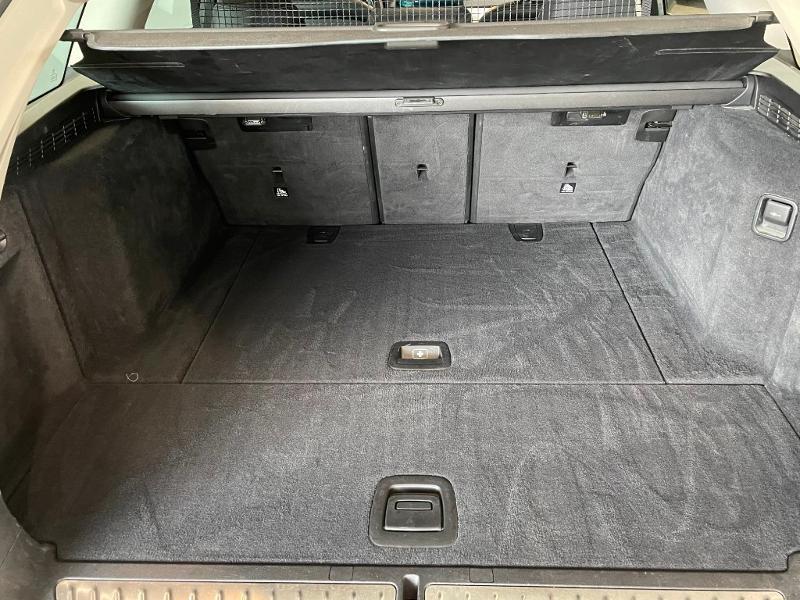 Photo 14 de l'offre de BMW Serie 5 Touring 530dA xDrive 265ch Business Steptronic à 29900€ chez Dugast automobiles