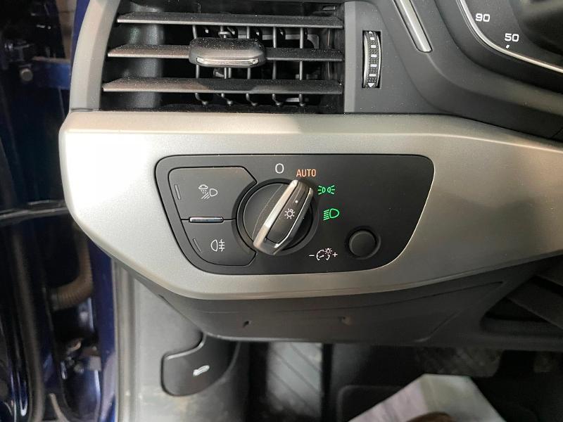 Photo 17 de l'offre de AUDI A4 35 TFSI 150ch Business line S tronic 7 Euro6d-T à 25900€ chez Dugast automobiles