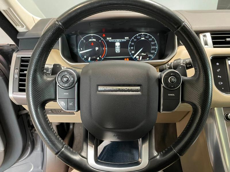 Photo 23 de l'offre de LAND-ROVER Range Rover Sport 3.0 TDV6 258 HSE Dynamic Mark IV à 35900€ chez Dugast automobiles