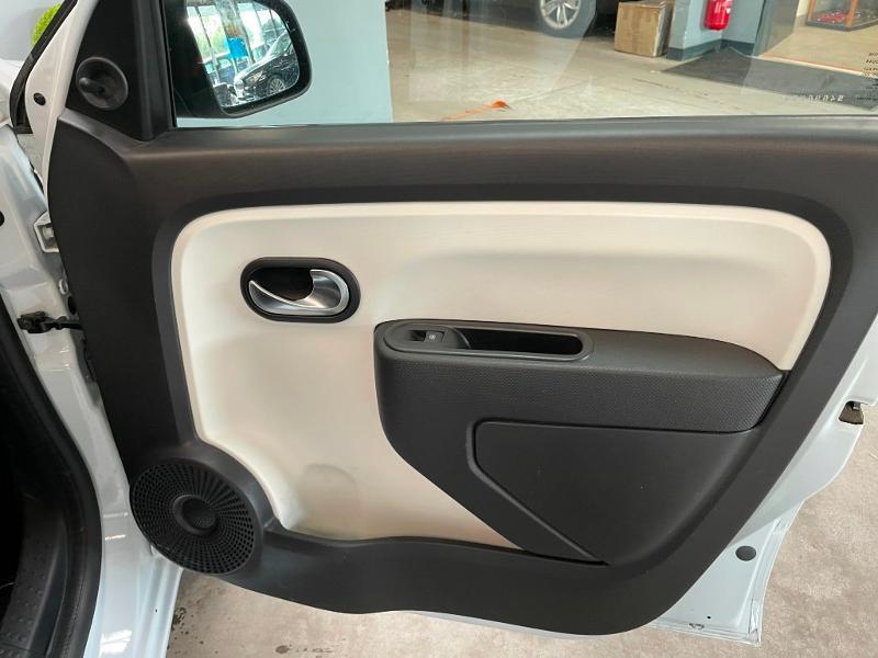 Photo 7 de l'offre de RENAULT Twingo 1.0 SCe 70ch Zen Euro6 à 6900€ chez Dugast automobiles