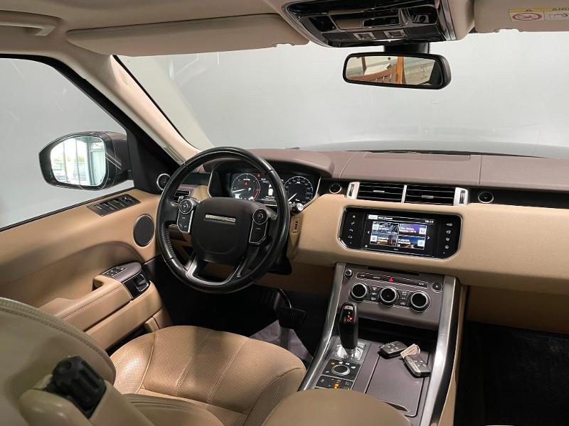 Photo 11 de l'offre de LAND-ROVER Range Rover Sport 3.0 TDV6 258 HSE Dynamic Mark IV à 35900€ chez Dugast automobiles