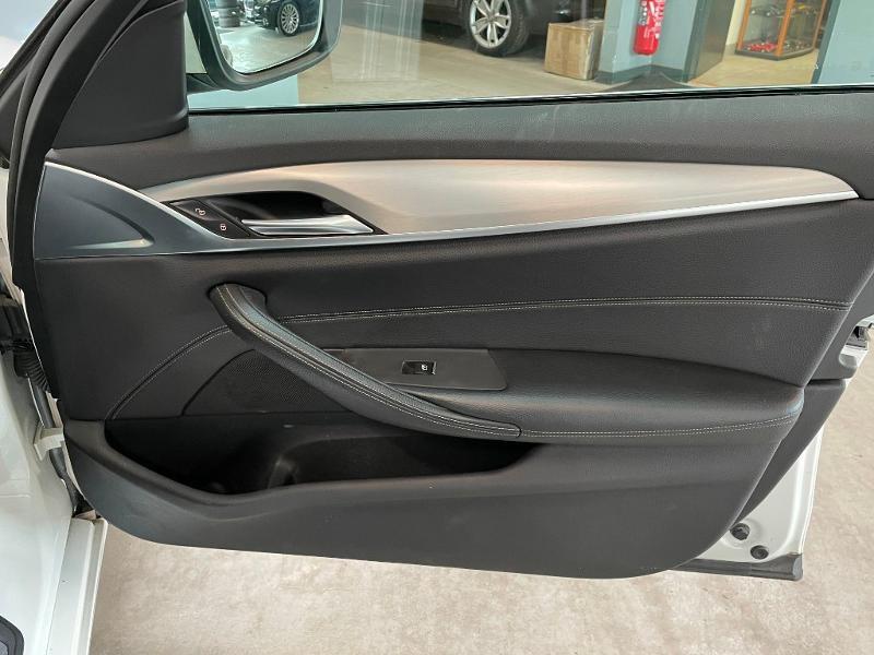Photo 7 de l'offre de BMW Serie 5 Touring 530dA xDrive 265ch Business Steptronic à 29900€ chez Dugast automobiles