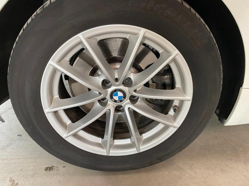 Photo 12 de l'offre de BMW Serie 5 Touring 530dA xDrive 265ch Business Steptronic à 31900€ chez Dugast automobiles