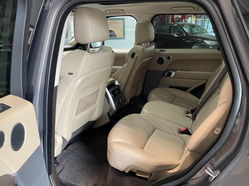 Photo 18 de l'offre de LAND-ROVER Range Rover Sport 3.0 TDV6 258 HSE Dynamic Mark IV à 35900€ chez Dugast automobiles