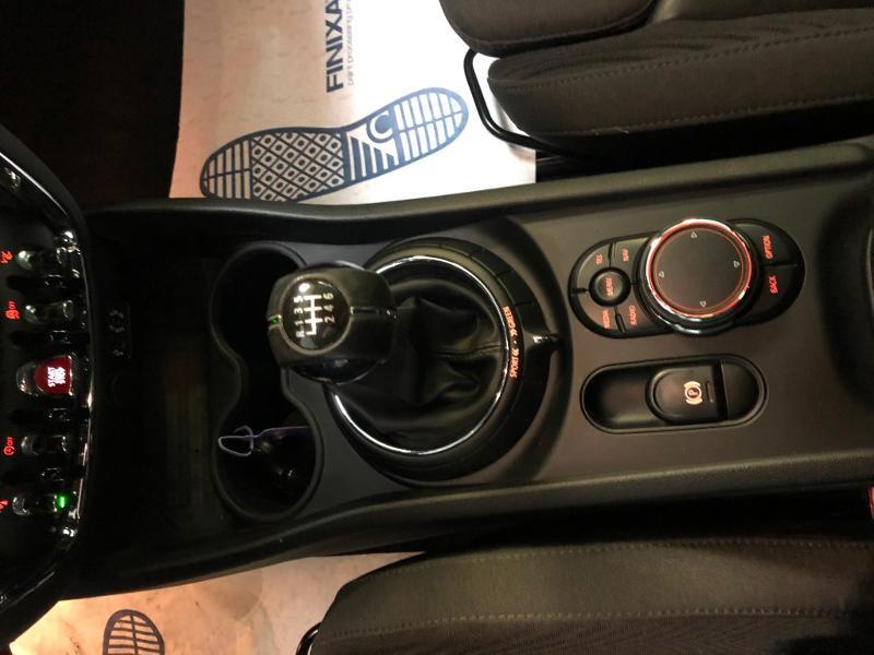 Photo 15 de l'offre de MINI Clubman Cooper D 150ch Exquisite à 16900€ chez Dugast automobiles