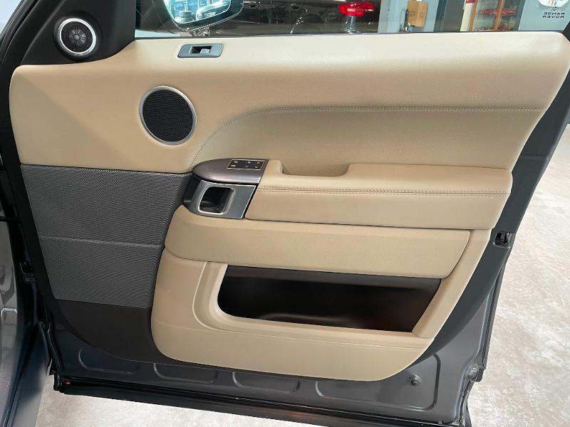 Photo 8 de l'offre de LAND-ROVER Range Rover Sport 3.0 TDV6 258 HSE Dynamic Mark IV à 35900€ chez Dugast automobiles