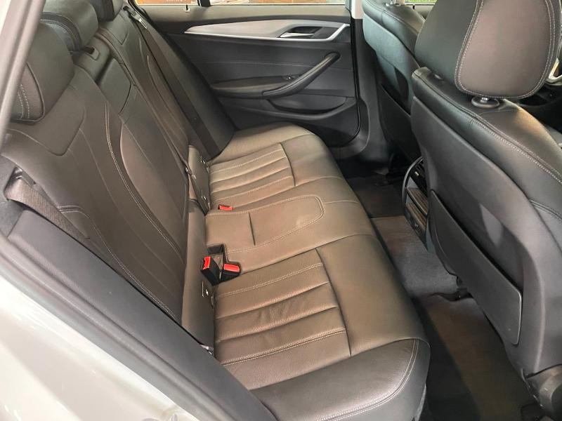 Photo 10 de l'offre de BMW Serie 5 Touring 530dA xDrive 265ch Business Steptronic à 29900€ chez Dugast automobiles